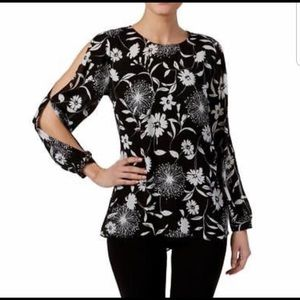 Vince Camuto Black and White Print Blouse In Sz Lg